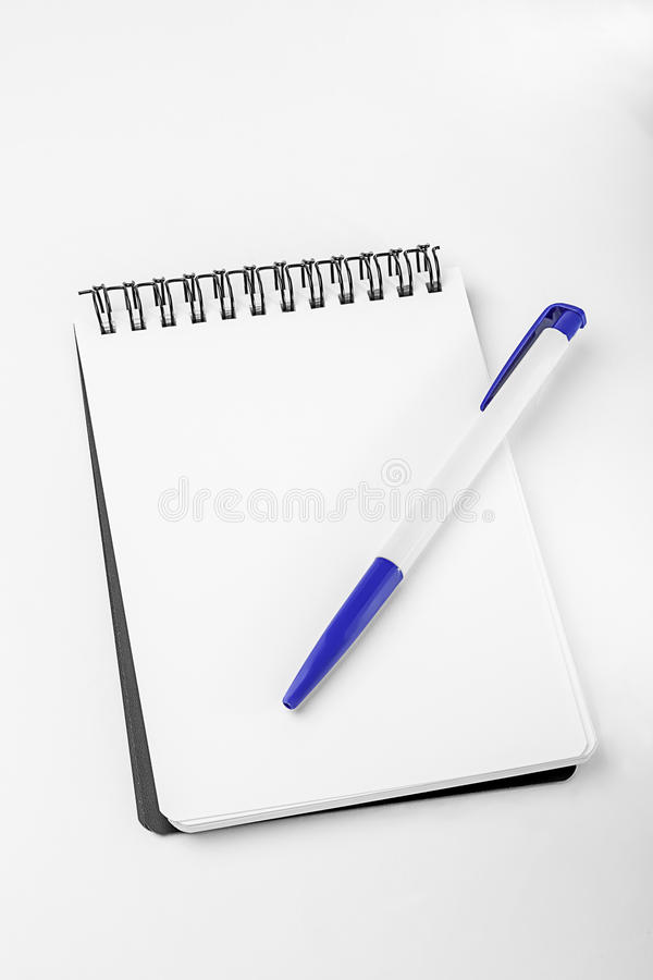Download Empty White Note, Pen And Blue Clip Stock Photo - Image: 32143998