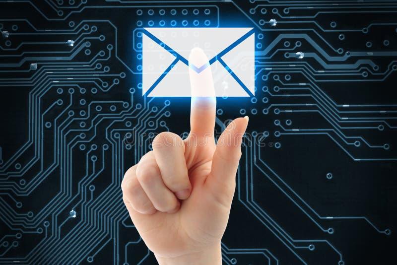Empujar el botón virtual del correo manualmente imagen de archivo