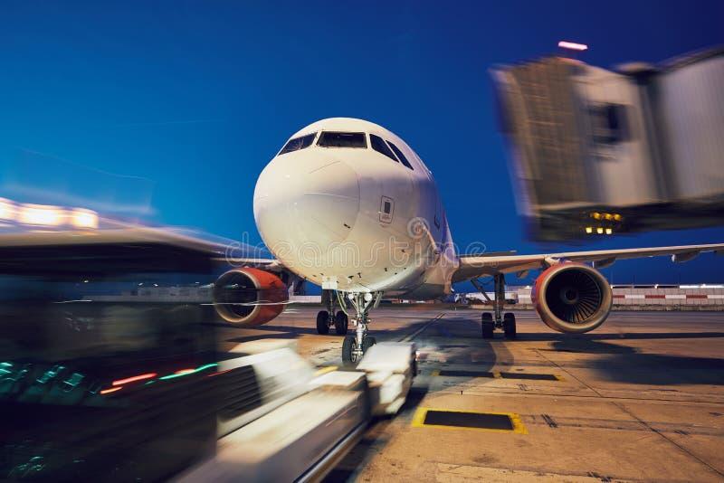 Empuje detrás del aeroplano imágenes de archivo libres de regalías