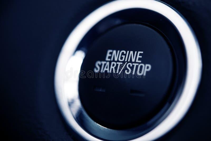 Empuje el botón del coche del comienzo imagen de archivo libre de regalías