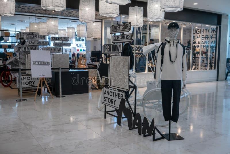 Emquatier的,曼谷,泰国, 2018年10月15日另一家故事商店 库存照片