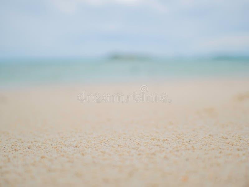 Emtry tropikalny idylliczny plażowy tło Piękny Niekończący się horyzont z niebem i białym piaskiem obrazy stock
