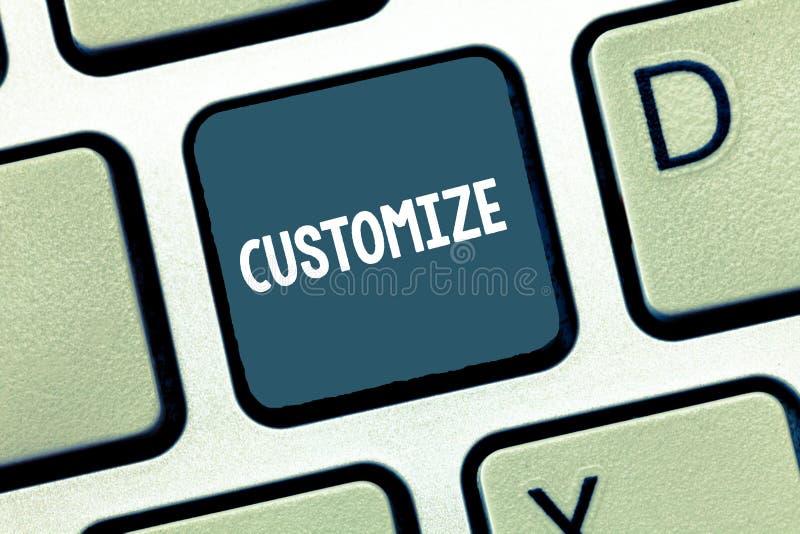 En écrivant l'apparence de note adaptez aux besoins du client La présentation de photo d'affaires modifient quelque chose adapter images stock