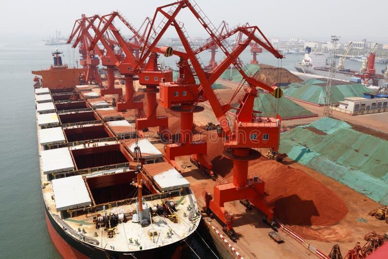 En 2012, declinación de China en la demanda para el mineral de hierro imágenes de archivo libres de regalías