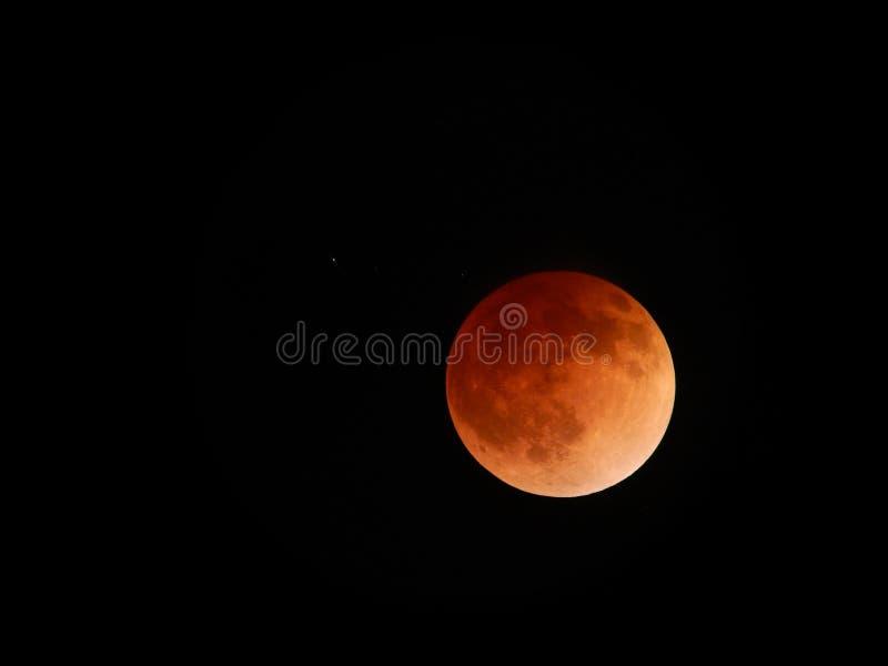En abril de 2014 eclipse lunar imagen de archivo