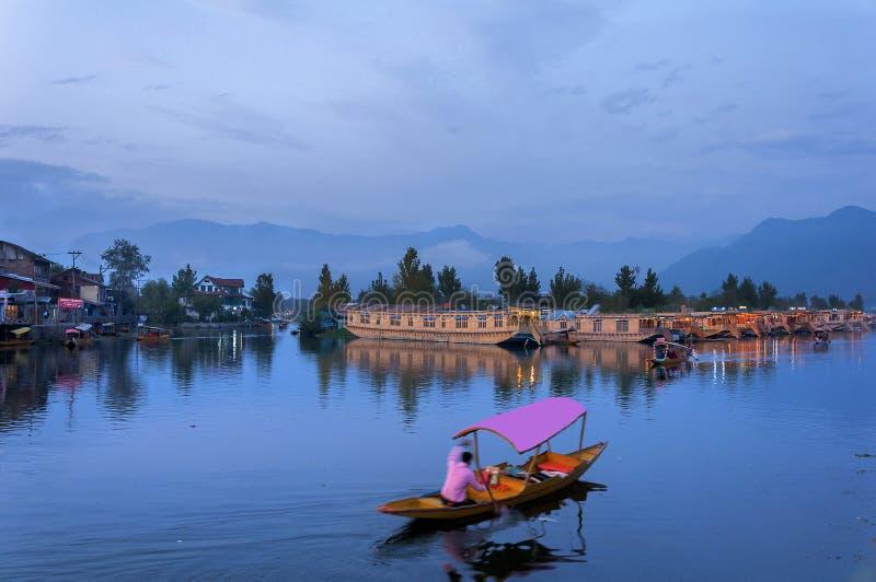 En afton i Dal sjön royaltyfri bild