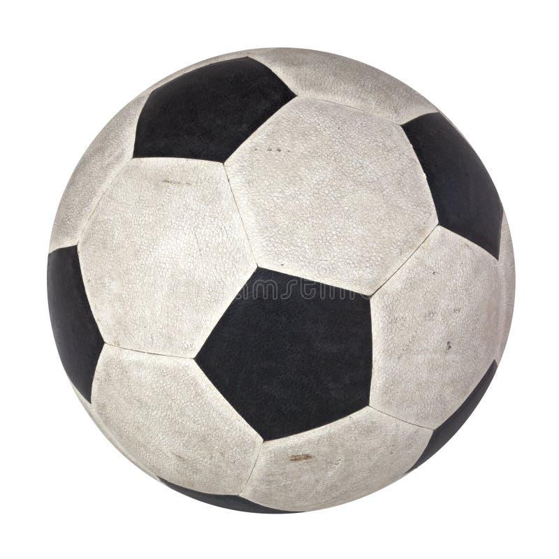 En använd fotboll i svartvit isolat för klassisk modellhud royaltyfria foton