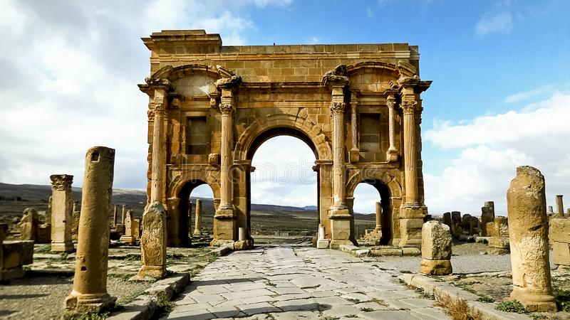 En arkeologisk plats i Algeriet roman arkitektonisk teknik för turism arkivfoto