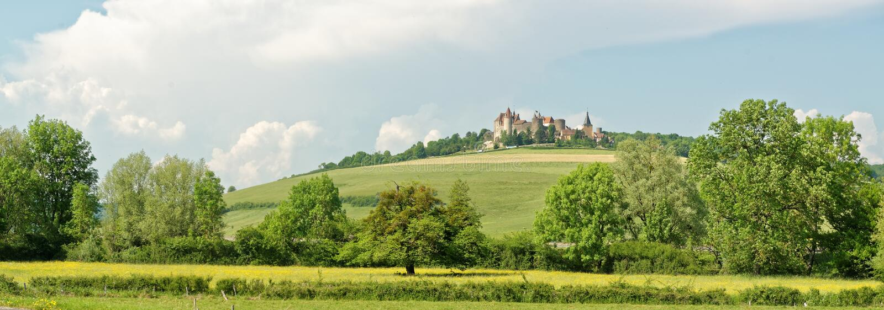 En Auxois de Châteauneuf fotos de archivo libres de regalías