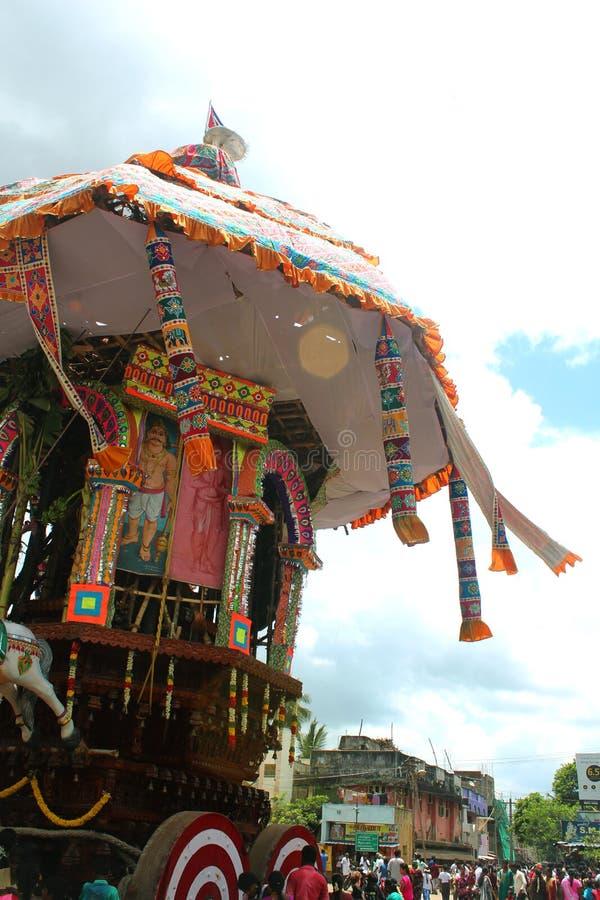En av den parivar tempelbilen på den stora tempelbilfestivalen av den thyagarajar templet för thiruvarursri royaltyfri bild