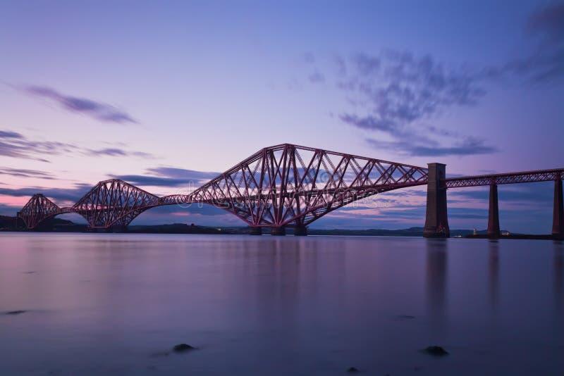 En avant le pont Edimbourg, Scotl en longeron photos stock