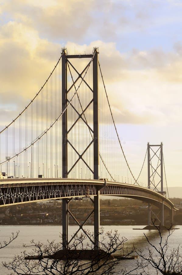 En avant le pont en route photographie stock libre de droits