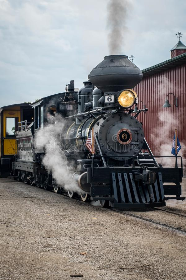En Baldwin Steam Engine på Midwest det gamla tröskverkmötet, Mt Angenämt Iowa, USA royaltyfria bilder