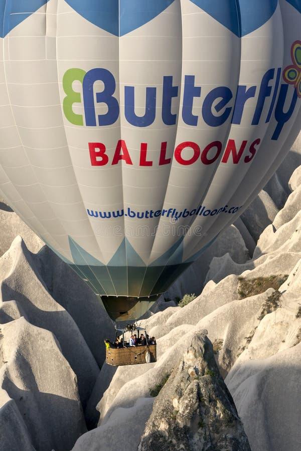 En ballong för varm luft i Turkiet arkivfoton