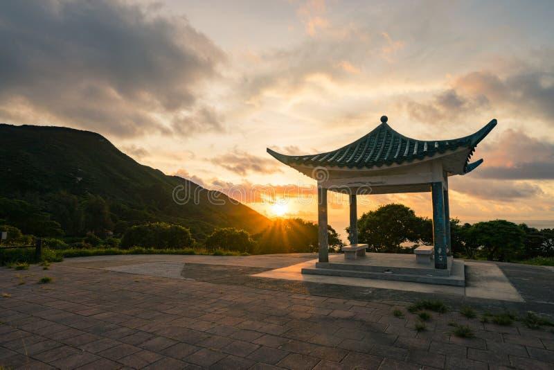 En bedöva soluppgång i Hong Kong royaltyfri bild