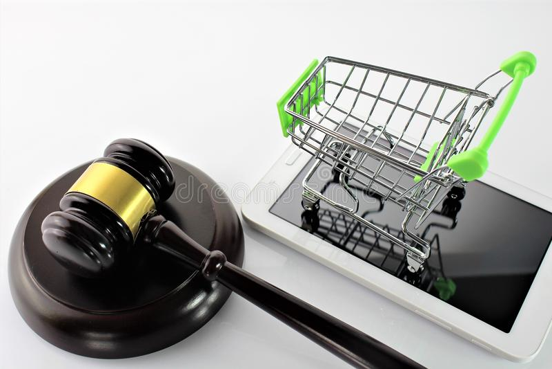 Download En Begreppsbild Av Ecommercen Och Lag Fotografering för Bildbyråer - Bild av shopping, hörbart: 106835323