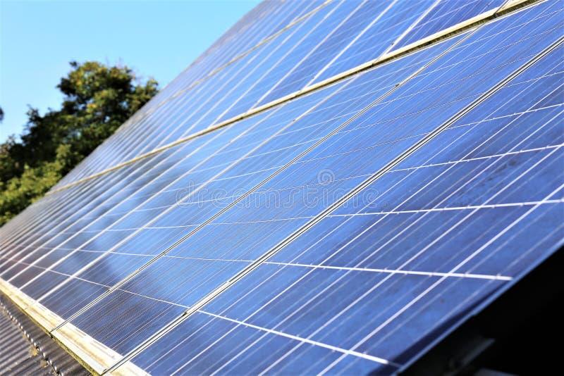 Download En Begreppsbild Av Sol- Celler, Panel - Energi Fotografering för Bildbyråer - Bild av innovativt, green: 106827505