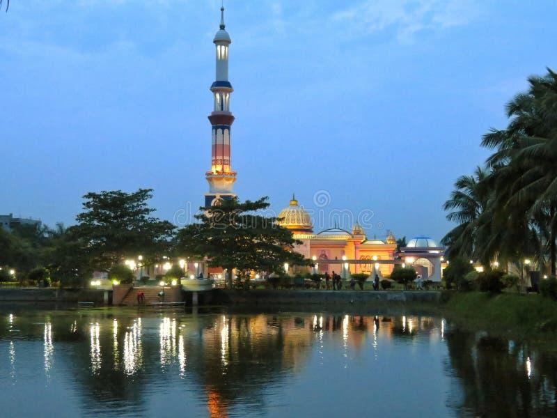 En berömd moské i Barisal, Bangladesh arkivbilder