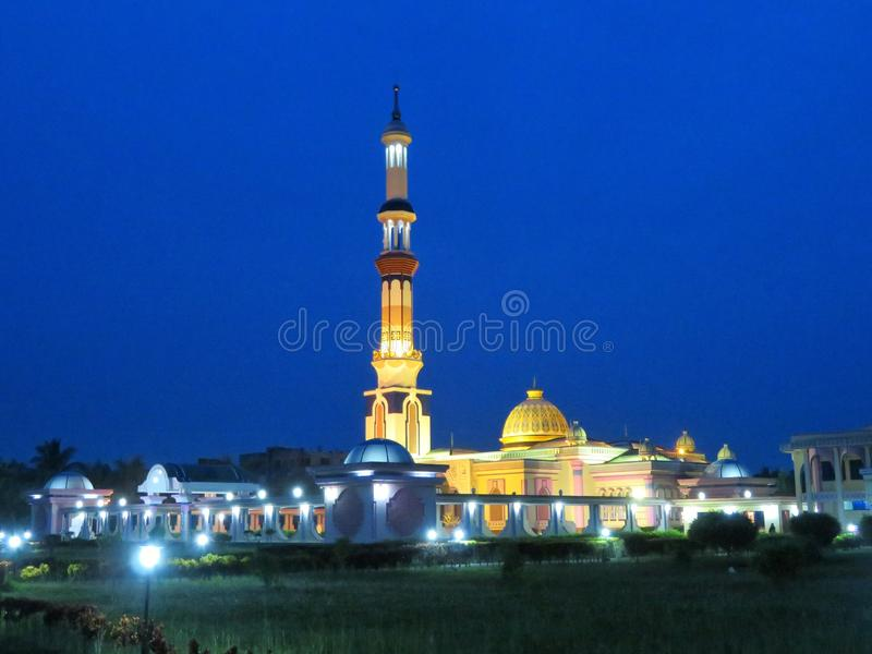 En berömd moské i Barisal, Bangladesh royaltyfria bilder