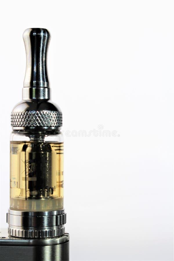 Download En Bild Av En E-cigarett Med Kopieringsutrymme Arkivfoto - Bild av hälsa, drog: 106836740