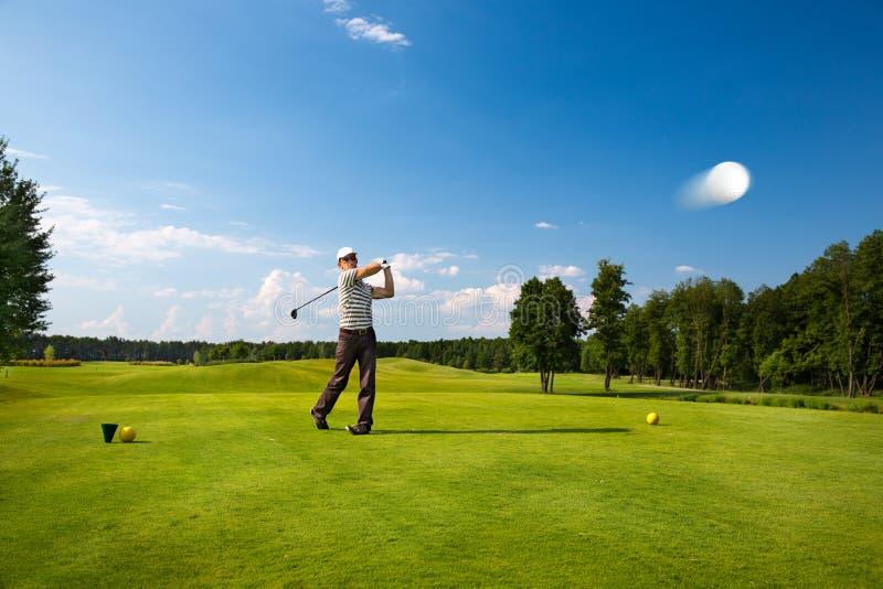 En bild av en manlig golfspelare arkivbilder