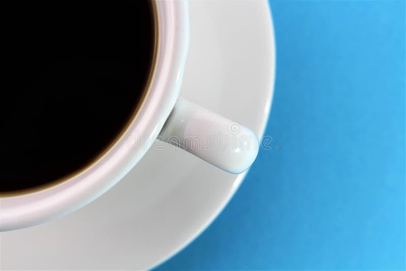 Download En Bild Av En Kopp Kaffe - Med Kopieringsutrymme Arkivfoto - Bild av varmt, mörkt: 106836686