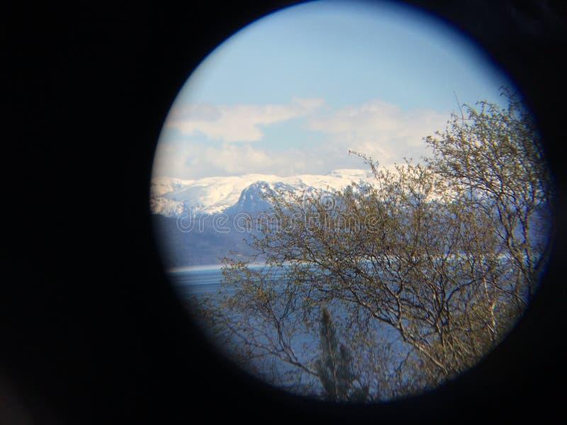 En blick till berget i Bergen royaltyfri fotografi