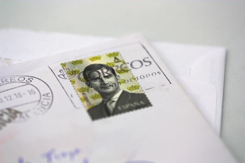 En bokstav med en stämpel som skrivs ut i Spanien fotografering för bildbyråer