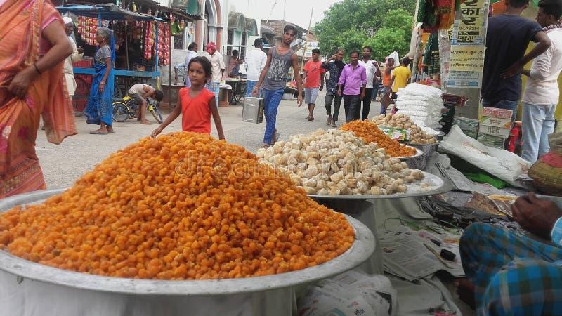 En bonbons indiens à style dans le prix l'état du Bihar it& x27 ; bonbons tellement doux à s faisant à la maison ce type de bonbo photographie stock libre de droits