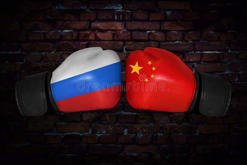 En boxningmatch mellan USA och Ryssland arkivbilder