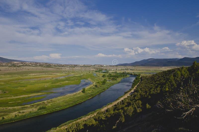 En bred buktig sikt av Greenet River i colrado fotografering för bildbyråer