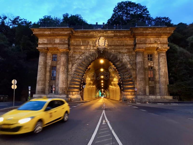 En Budapest, HungrÃa, Maravilloso de Tunel fotografía de archivo