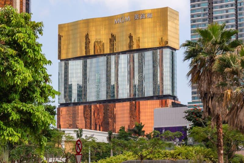 En byggnad av hotellet för MGM MACAO royaltyfria bilder