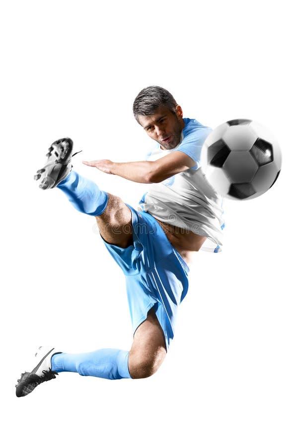 En caucasian man för fotbollspelare som isoleras på vit bakgrund royaltyfri foto
