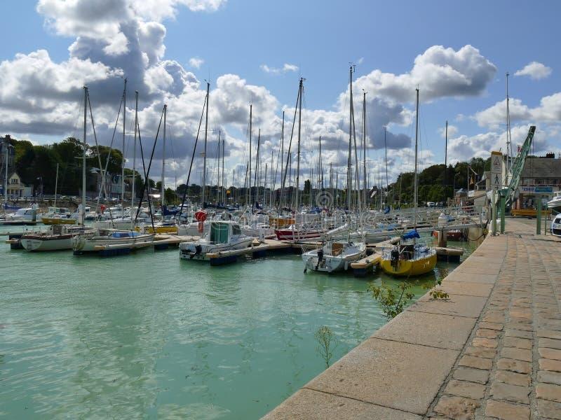 EN CAUX, FRANCE DE VALERY DE SAINT - 25 AOÛT 2018 : Le port pittoresque d'en Caux de Valery de saint images stock