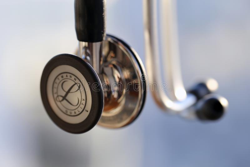 En Closeup av en stetoskop för Littmann kardiologidropp fotografering för bildbyråer