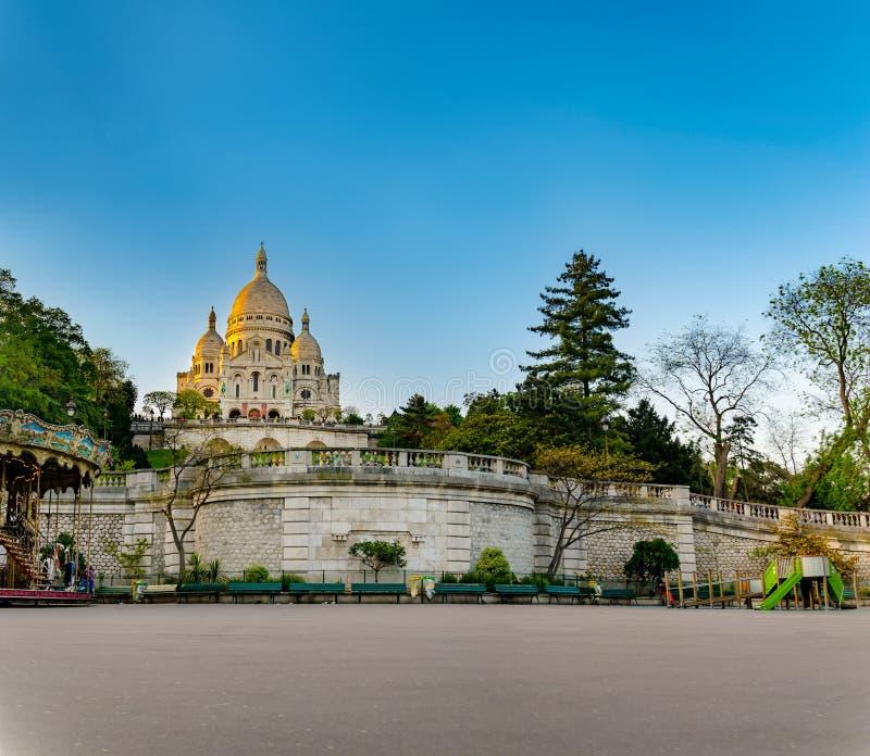 En closup av basilikan Sacre Coeur i Montmartre i Paris, Frankrike arkivfoto