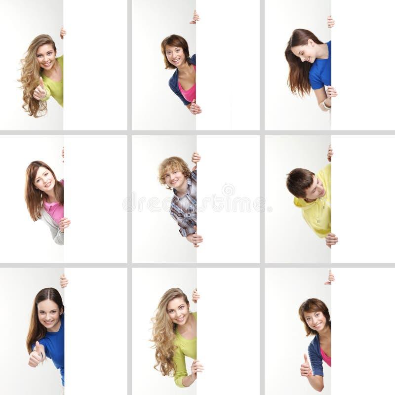 En collage av tonåringar som rymmer vita baner arkivfoton