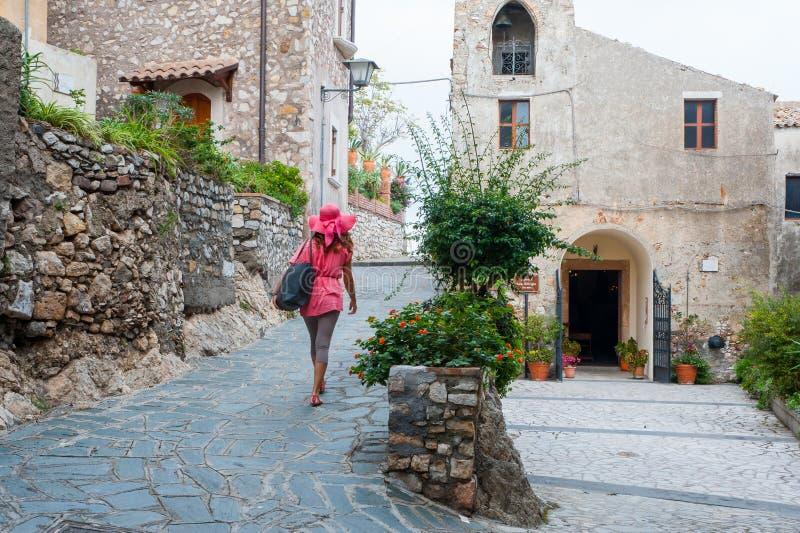 En dag i Castelmola arkivbilder
