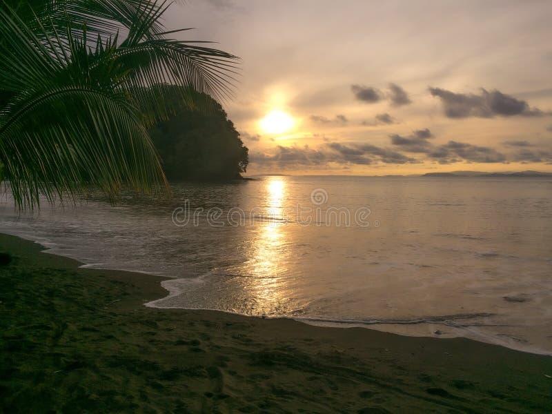 En dag på en sommartid på de Stillahavs- coasna arkivbilder