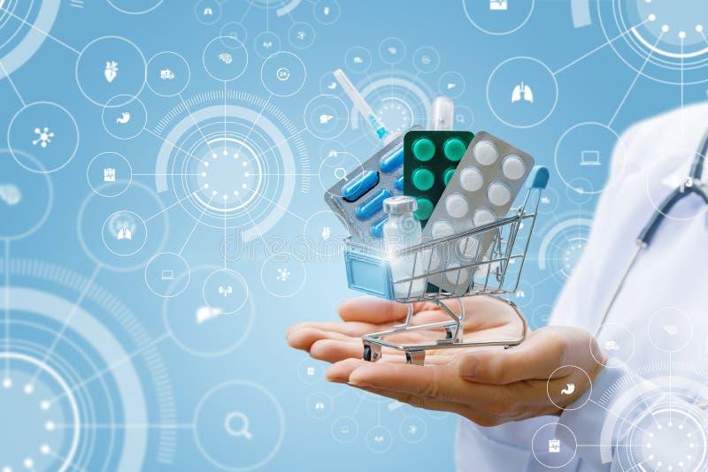 En doktor rymmer en supermarketvagn mycket av piller, och droger på henne gömma i handflatan på bakgrunden av det digitala system royaltyfri foto