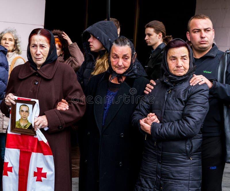 En el adiós de Uzhhorod al soldado que murió de heridas en la zona de la ATO foto de archivo