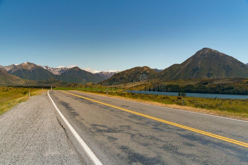 En el camino que lleva al parque nacional del paso de Auther's imagen de archivo