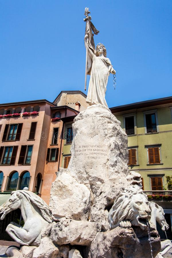 En el centro de Lovere en el lago Iseo Lombardía fotos de archivo libres de regalías