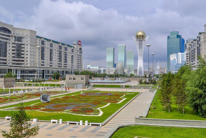 En el centro de Nursultan fotos de archivo