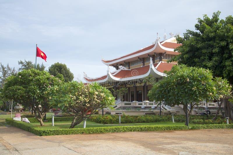 En el edificio principal del panteón conmemorativo de Ho Chi Minh Vietnam foto de archivo