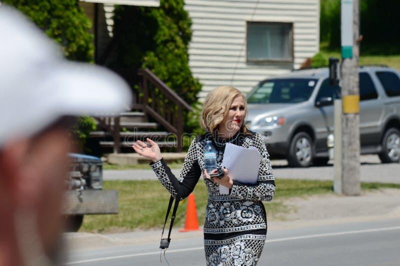 En el ensayo de la película del ` de la cala del ` s de Schitt del ` de la ubicación que ofrece a la actriz Canadiense-americana, fotos de archivo