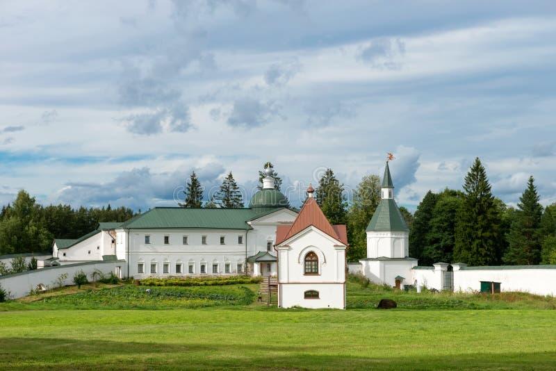 En el monasterio de Svyatoozerskaya Valday Iversky Bogoroditsky imagen de archivo