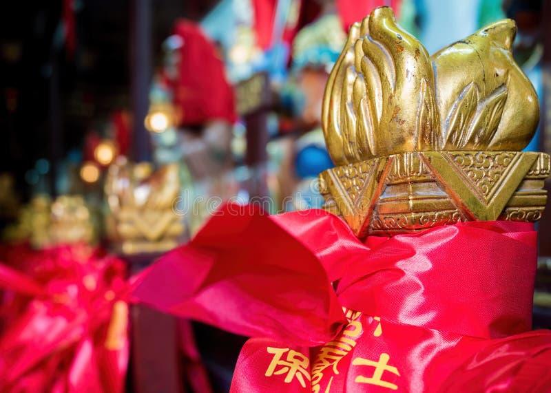 En el templo viejo de 600 a?os de dios de la ciudad, Shangai, China imagenes de archivo