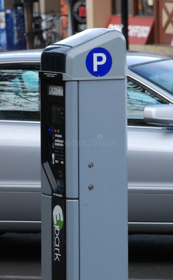 En elektronisk parkeringsmeter arkivfoton